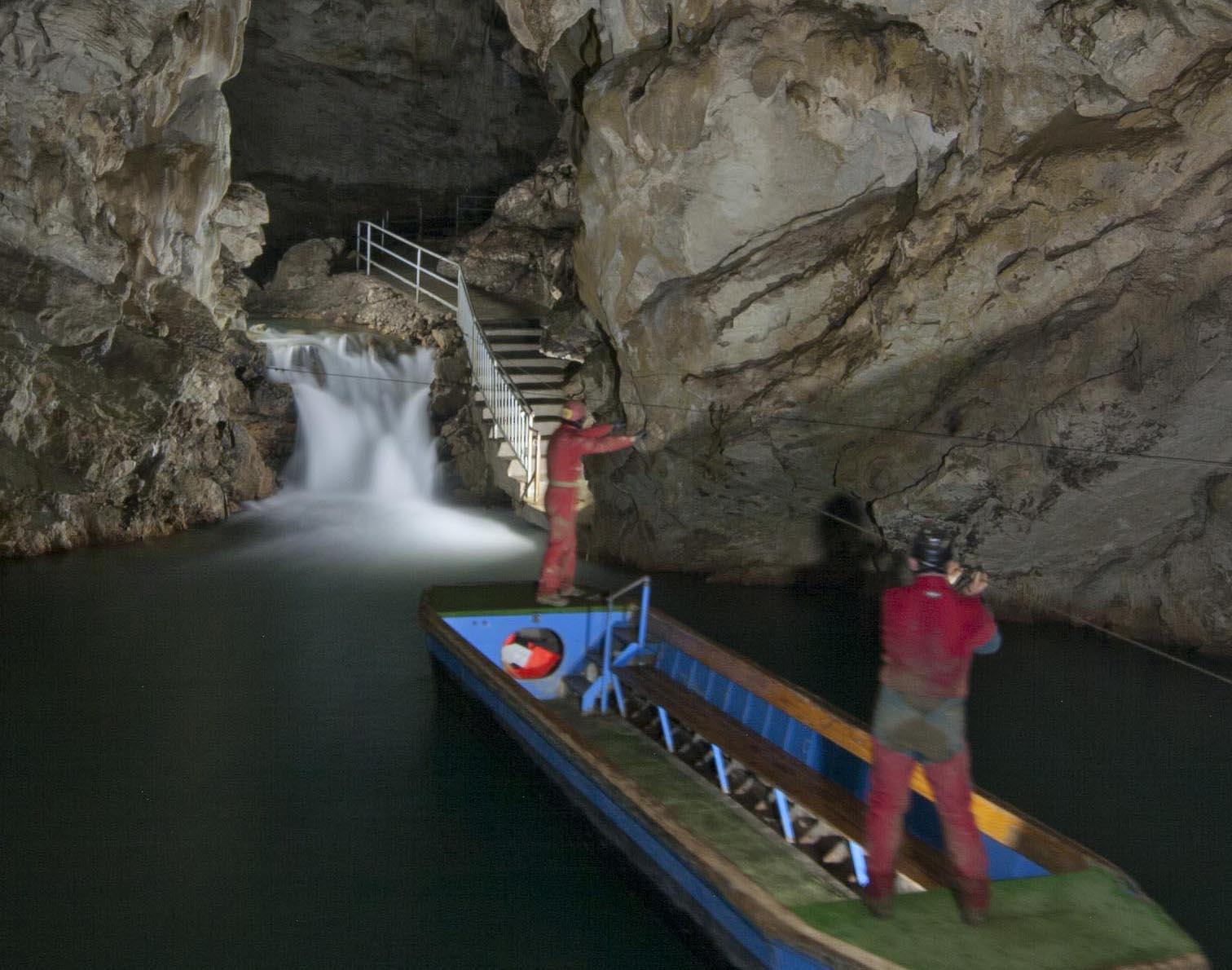 "Pertosa, Grotte senza barriere. Domenica "" diversamente spleleo"""